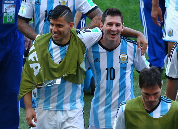 Messi Aguero together