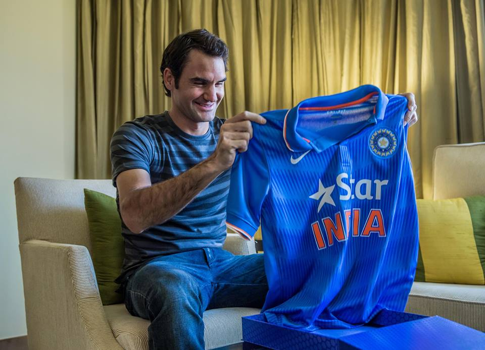 Roger Federer with the Indian cricket jersey