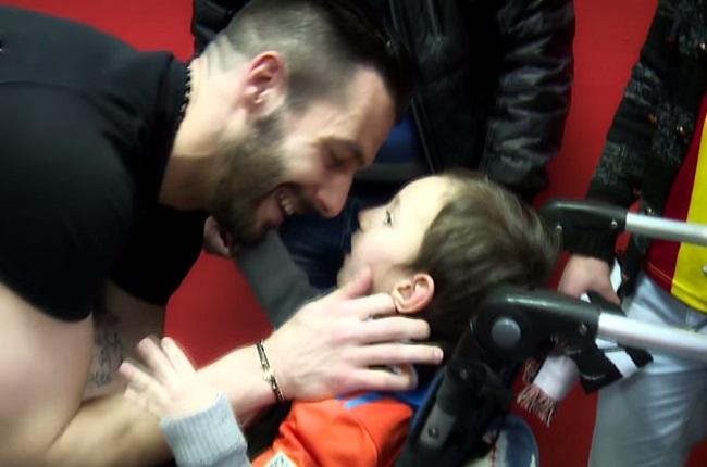 Valencia fan 7 year old david cerebral palsy negredo