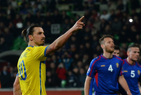 Zlatan Ibrahimovic Sweden Moldova goalkeeper goal kick