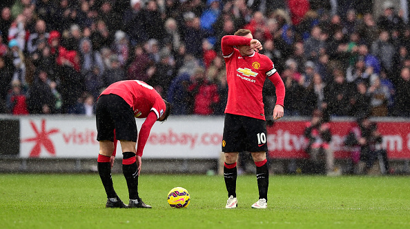 Wayne Rooney Robin van Persie injured