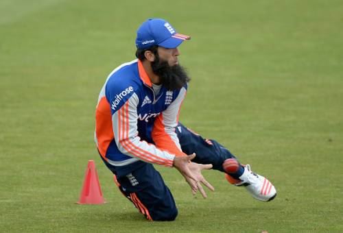 The incident happened when Moeen Ali was bowling the 16th over