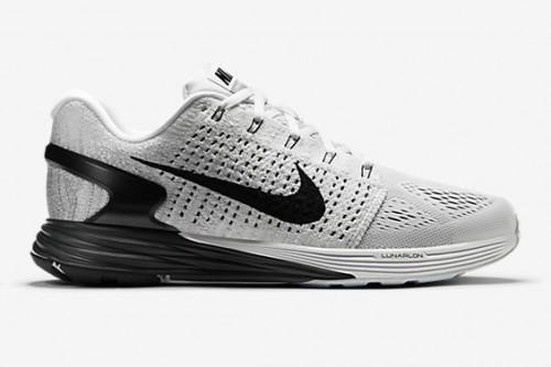 Nike Women's WMNS Lunarglide 7 Flash Running Shoes, Black