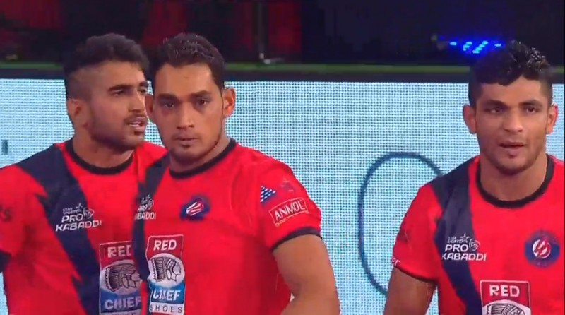 Pro Kabaddi: Jaipur Pink Panthers lose 27-35 at home to Dabang Delhi