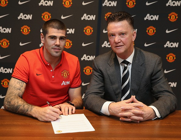 Victor Valdes' career at Manchester United all but over after Van Gaal's public rant