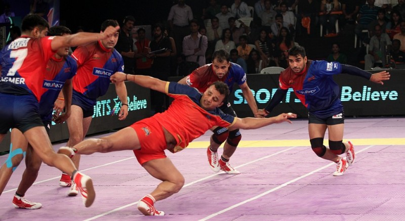 Image result for Puneri Paltan and dabang delhi
