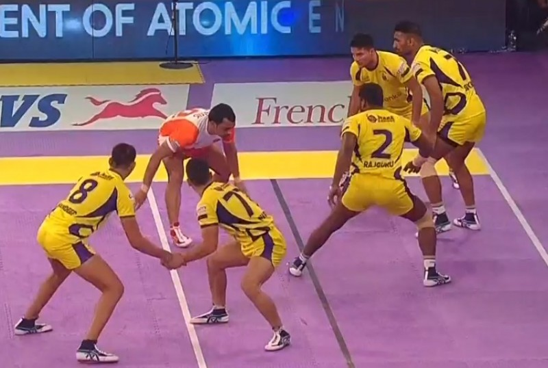 Telugu Titans move to top of Pro Kabaddi table with 29-29 draw vs Puneri Paltan