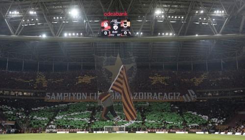 Galatasaray fans derby fenerbahce display