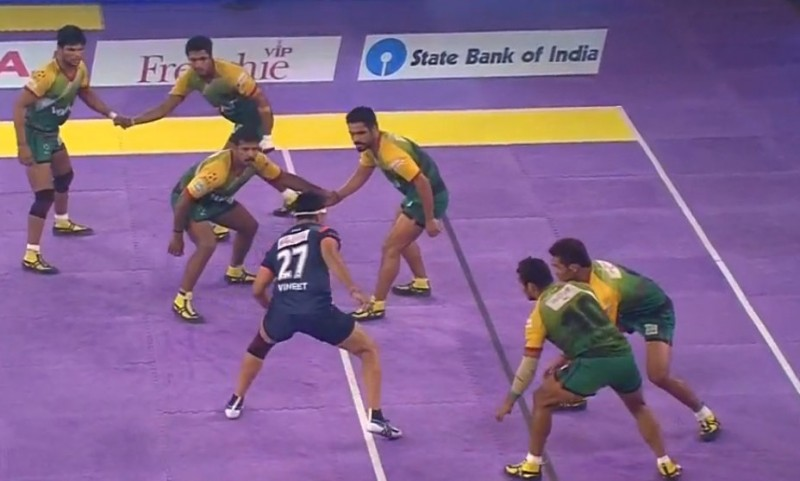 Patna Pirates 20-20 Bengal Warriors; First draw of Pro Kabaddi season 2