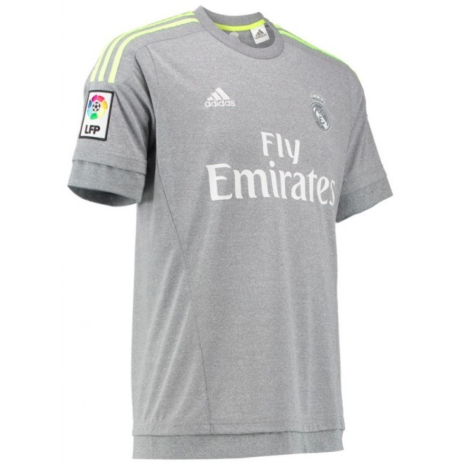 b533284b223 Real Madrid s 2015-16 official kit now available in India