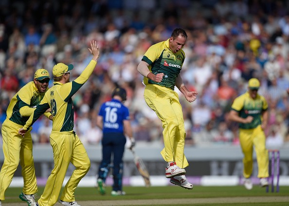 Australia demolish England in deciding ODI to win series 3-2