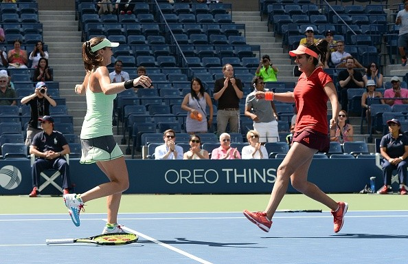 US Open 2015: Mirza and Hingis take straight sets victory