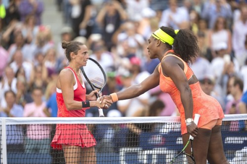 http://i.dailymail.co.uk/i/pix/2015/09/11/21/2C3247C400000578-3231216-Williams_graciously_congratulates_Vinci_following_her_win_at_the-a-148_1442005180038.jpg