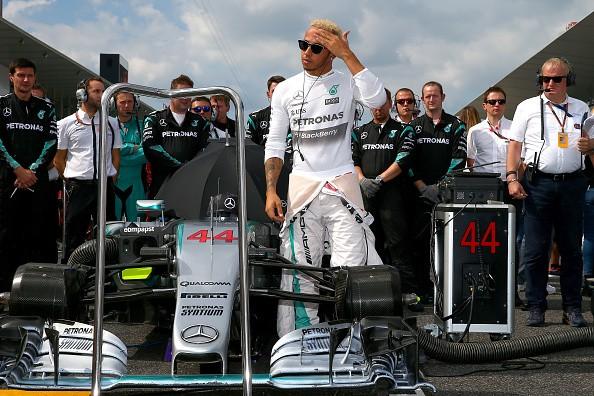 Japanese Grand Prix: Lewis Hamilton takes victory, equals Ayrton Senna's record