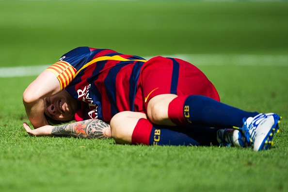 Barcelona's Lionel Messi ruled out for 7-8 weeks after suffering ligament tear