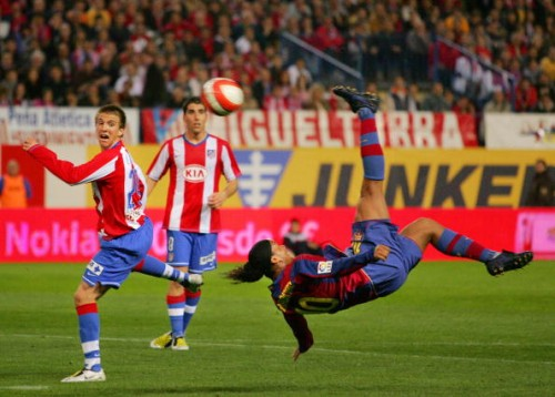 Ronaldinho bicycle kick goal Barcelona Atletico Madrid