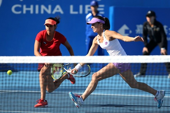 Sania Mirza and Martina Hingis in finals of China Open
