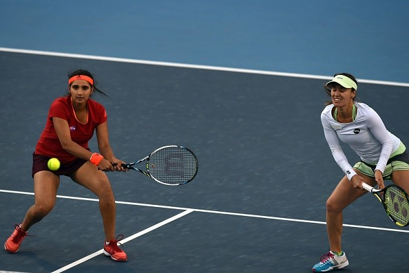 Sania Mirza and Martina Hingis take China Open title