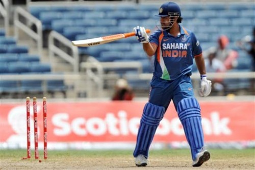 5 instances when Dhoni rescued India in the first innings of an ODI