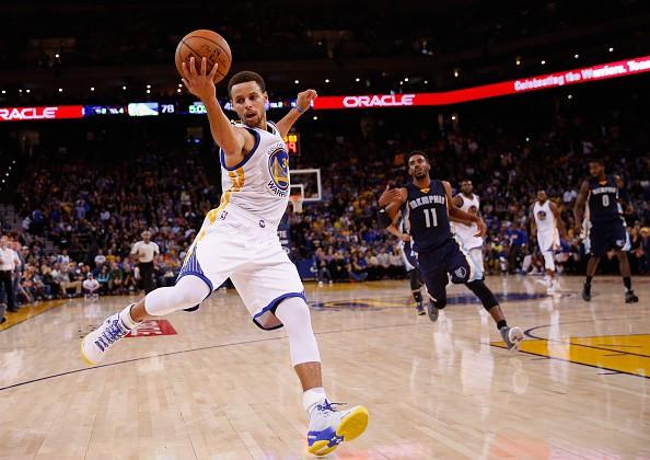 36e88d532 NBA MVP Stephen Curry congratulates Lionel Messi on reaching 30 million  Instagram followers