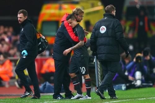 Klopp Coutinho Liverpool Stoke Hug