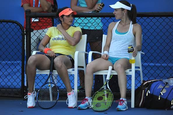 Sania Mirza and Martina Hingis cruise through first round at Australian Open 2016