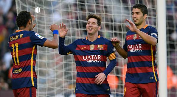 Lionel Messi hat-trick gives Barcelona 4-0 win over Granada to move top of La Liga table