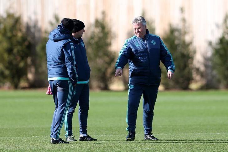Mikel Wants Hiddink To Reconsider Chelsea Exit