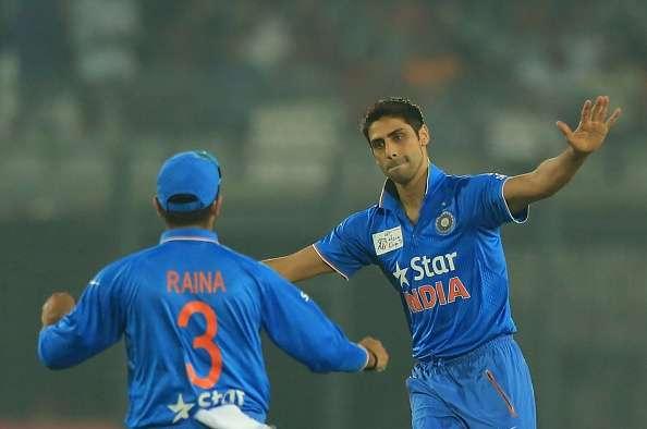 Ashish Nehra bowling India vs Pakistan Asia cup