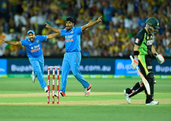how to play fast bowling in hindi