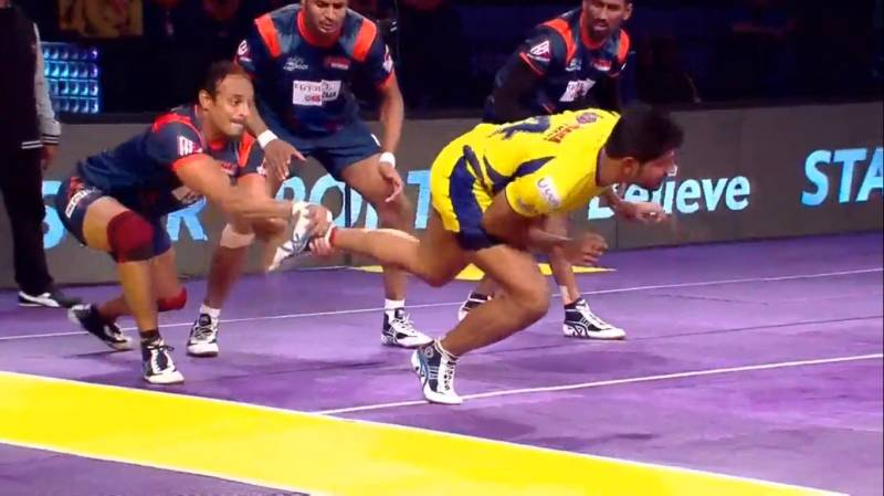 Telugu Titans 17-25 Bengal Warriors; The visitors begin their Pro Kabaddi campaign with a win