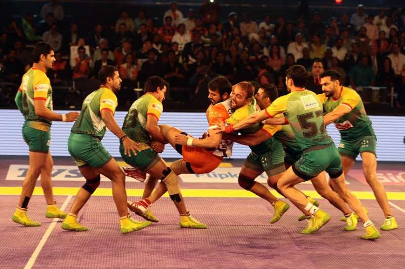 Patna Pirates go through to Star Sports Pro Kabaddi final with a dominant 40-21 win over Puneri Paltan