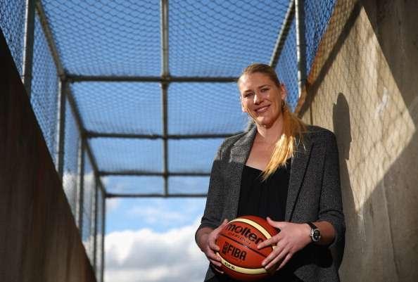 Lauren Jackson announces retirement from basketball at