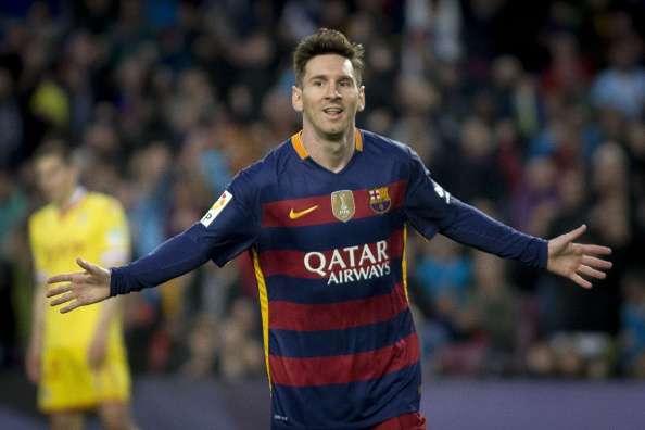 ae9400504 Video  Lionel Messi congratulates Stephen Curry on 10 million ...