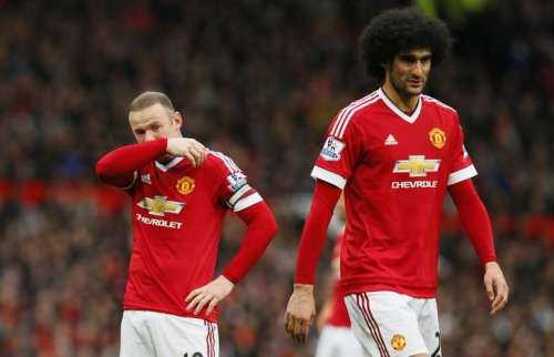 Britain Football Soccer - Manchester United v Leicester City - Barclays Premier League - Old Trafford - 1/5/16 Manchester United's Marouane Fellaini and Wayne Rooney look dejected Action Images via Reuters / Jason Cairnduff/ Livepic