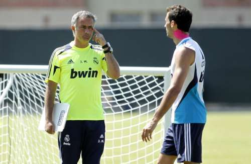 Jose Mourinho with Arbeloa during training