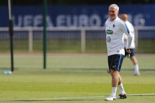 Football Soccer - Euro 2016 - France Training - Domaine de Montjoye, Clairefontaine - 27/6/16 - France's coach Didier Deschamps at training. REUTERS/Stephane Mahe