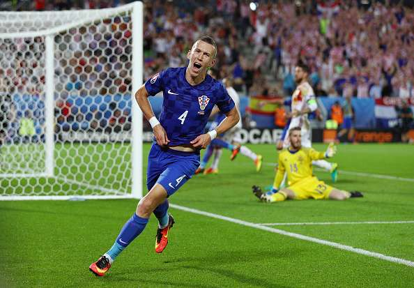 Euro 2016: Croatia stun Spain 2-1 to top Group D, Turkey finish third with win over Czech Republic