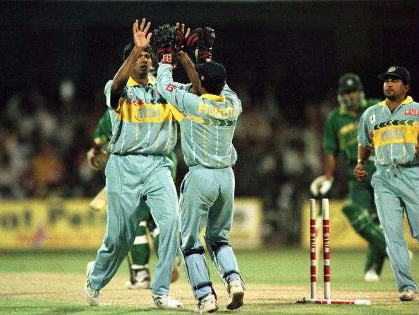 Venkatesh Prasad celebrates Aamir Sohail's wicket