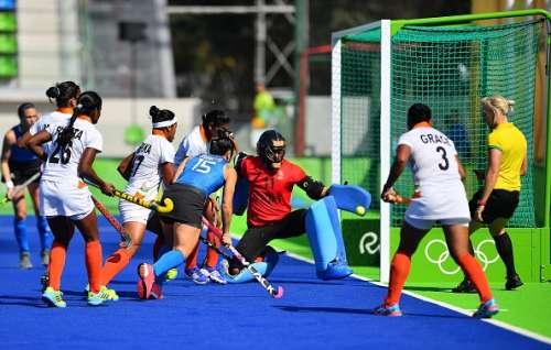 Argentine captain Maria Granatto shoots during the game against India