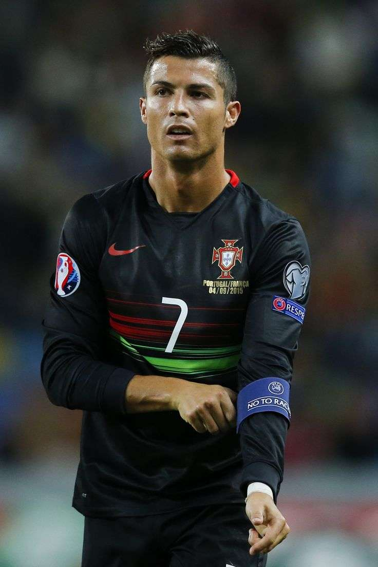 Page 7 Cristiano Ronaldo S Haircuts Over The Years With