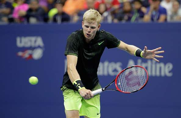 NEW YORK, NY - SEPTEMBER 04:  Kyle Edmund of Great Britain hits a return in his match against Novak Djokovic of Serbia on Day Seven of the 2016 US Open at the USTA Billie Jean King National Tennis Center on September 4, 2016 in the Flushing neighborhood of the Queens borough of New York City.  (Photo by Andy Lyons/Getty Images)