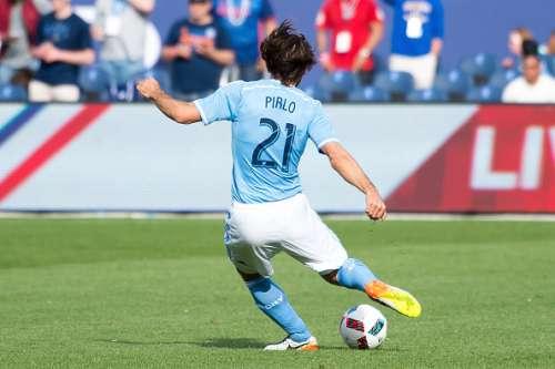 FIFA 17 best free kick takers