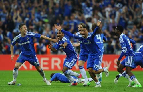 MUNICH, GERMANY - MAY 19:  (L-R) Gary Cahill, Florent Malouda, Fernando Torres and Jose Bosingwa of Chelsea celebrate after Didier Drogba scored the winning penalty during UEFA Champions League Final between FC Bayern Muenchen and Chelsea at the Fussball Arena Mnchen on May 19, 2012 in Munich, Germany.  (Photo by Mike Hewitt/Getty Images)