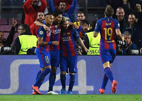 BARCELONA, SPAIN - OCTOBER 19:  Lionel Messi of Barcelona celebrates after scoring his third and his team