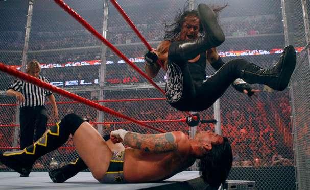 Resultado de imagen para The Undertaker vs. CM Punk | Hell in a Cell 2009