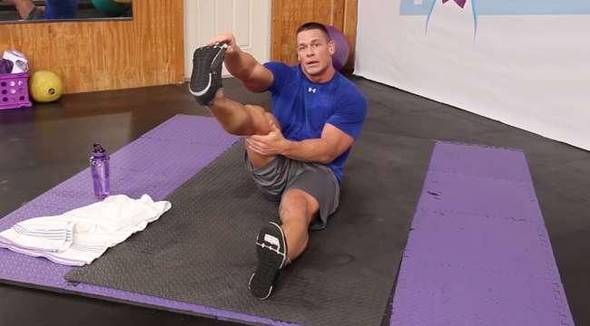 John cena workout how does the wwe star maintain his - John cena gym image ...