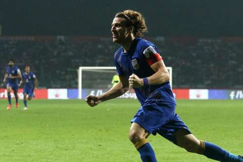 Diego Forlan celbrates after scoring the winner against Atletico de Kolkata (Picture Courtesy ISL)
