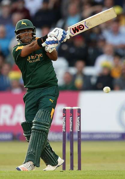 NOTTINGHAM, ENGLAND - AUGUST 08: Samit Patel of Notts bats during the NatWest T20 Blast match between Notts Outlaw and Essex Eagles at Trent Bridge on August 8, 2016 in Nottingham, England.  (Photo by Daniel Smith/Getty Images)