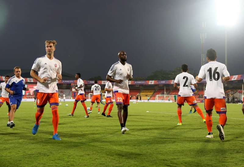 FC Pune City players warmup (Picture Courtesy ISL)